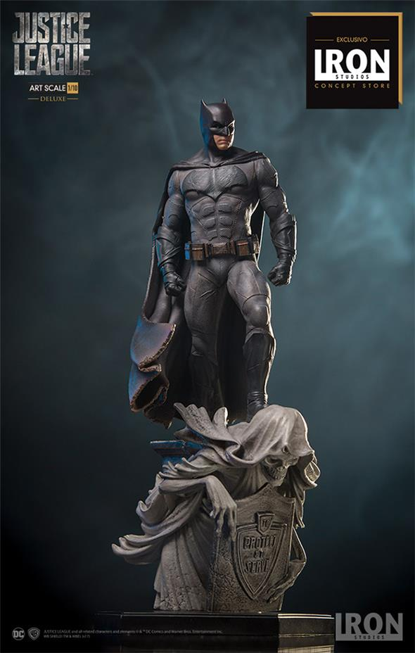 batman figurine 30 cm