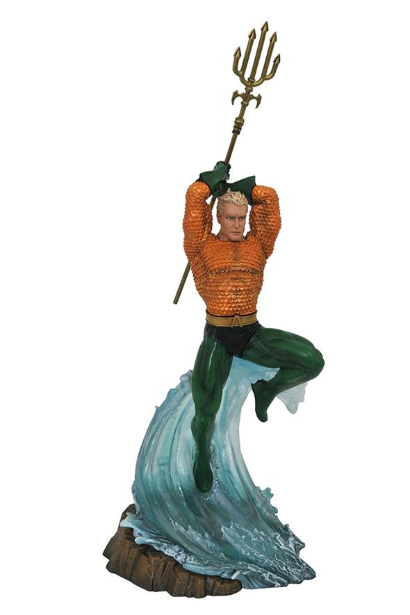 DC GALLERY - AQUAMAN COMIC STATUE
