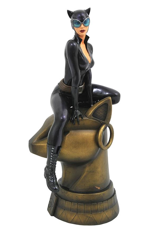 DC GALLERY CATWOMAN COMIC FIGURE