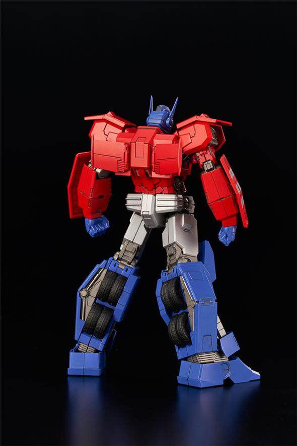 TRANSFORMERS OPTIMUS PRIME IDW MODEL KIT