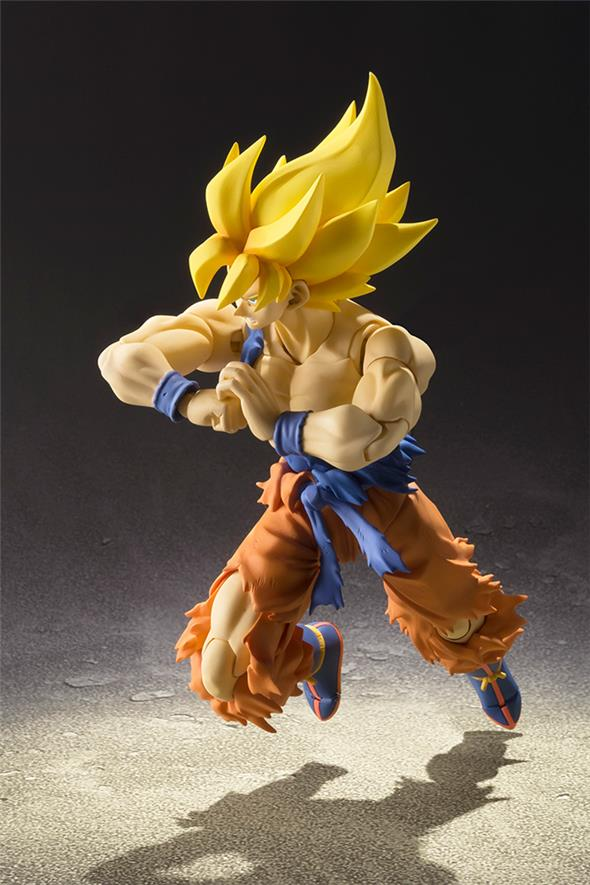S.H. FIGUARTS DRAGON BALL SUPER SAIYAN SON GOKU SUPER WARRIOR AWAKENING VERS