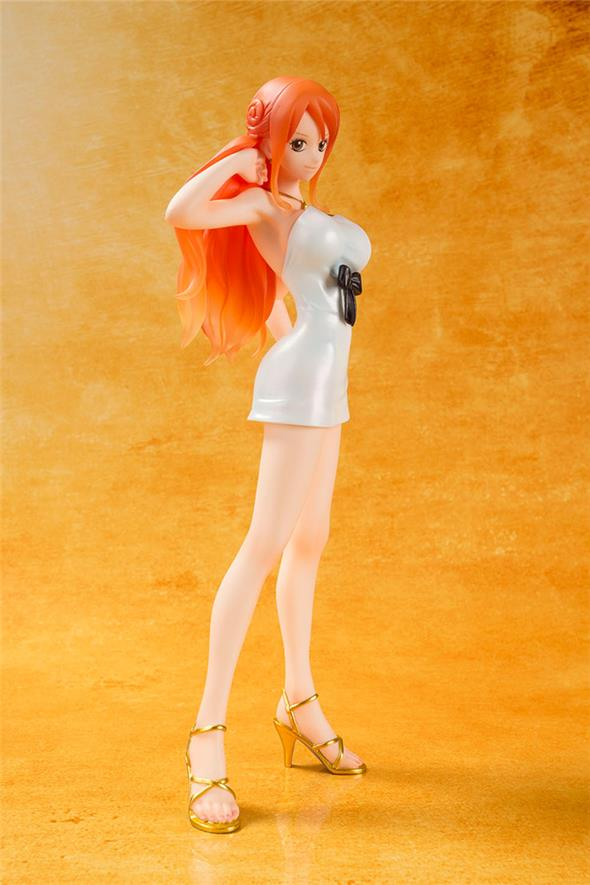 ONE PIECE - FIGUARTS ZERO NAMI FILM GOLD